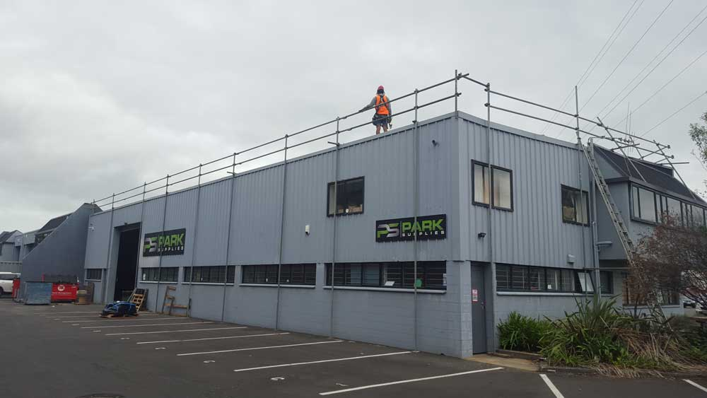 Onehunga Roof Edge Protection Scaffold